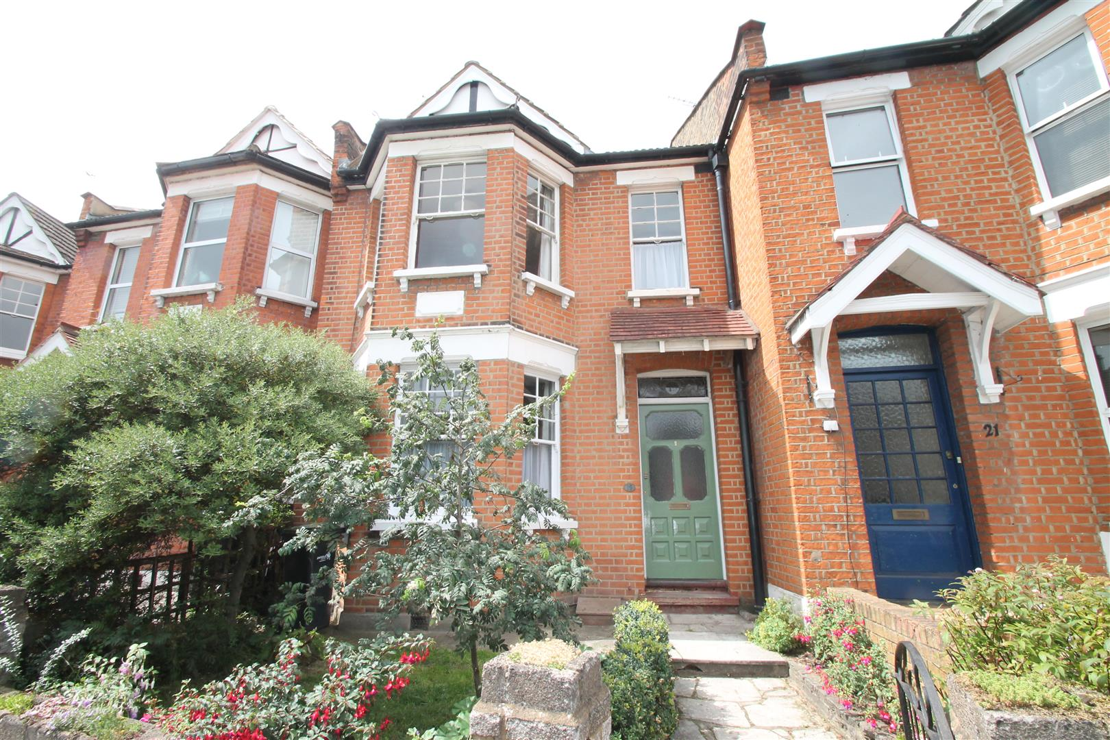 3 Bedrooms House for sale in Hoppers Road, London N21
